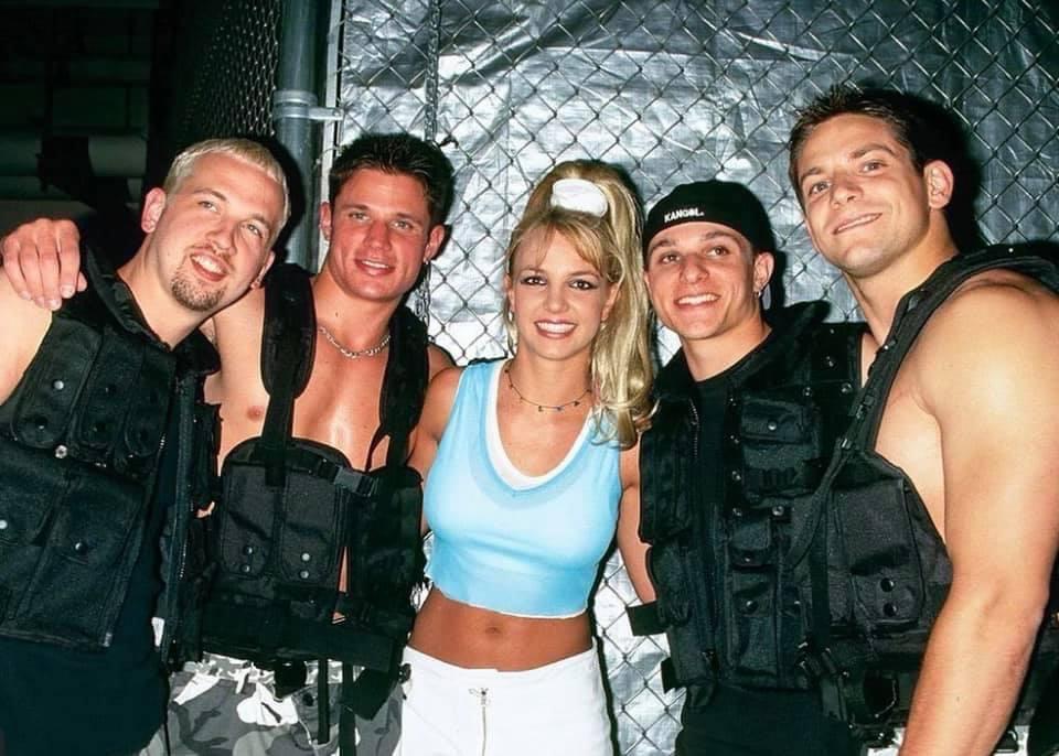 Benztown_Britney Spears & 98 Degrees PHOTO (1)